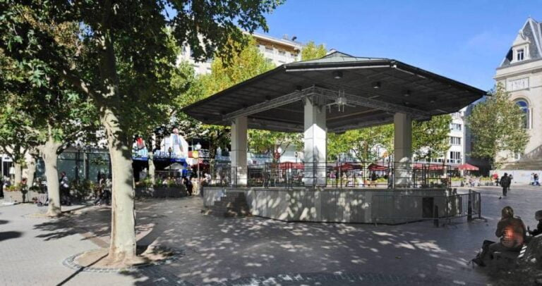 How to spend one remarkable day in Luxembourg City - Place d'Armes by Cayambe
