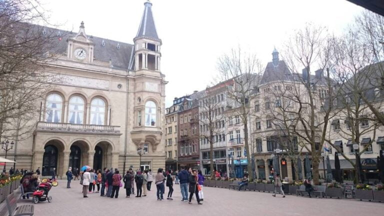 How to spend one remarkable day in Luxembourg City - Place d'Armes by Mmkay