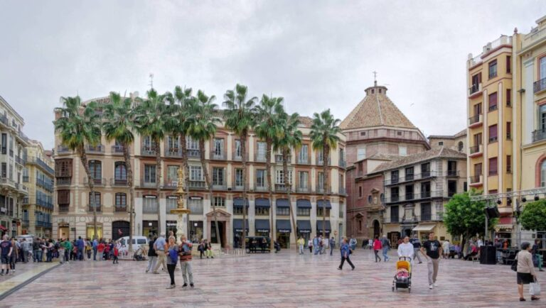 How to get the most of Malaga - Constitution Square by Berthold Werner
