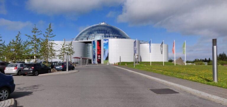 Reykjavik in 24 memorable hours - Perlan by Alf Igel