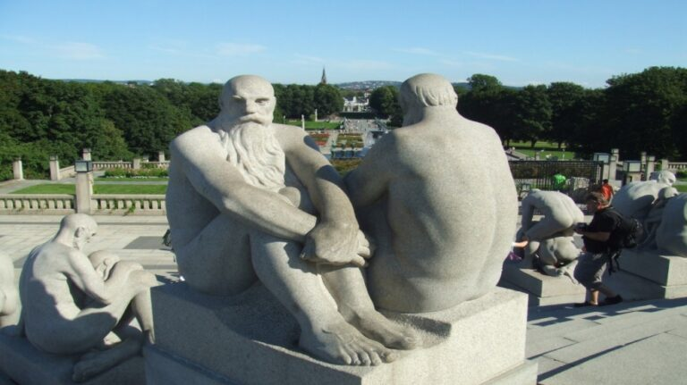 What to see in Oslo in 2 days - Frogner Park and Gustav Vigeland Sculpture Park