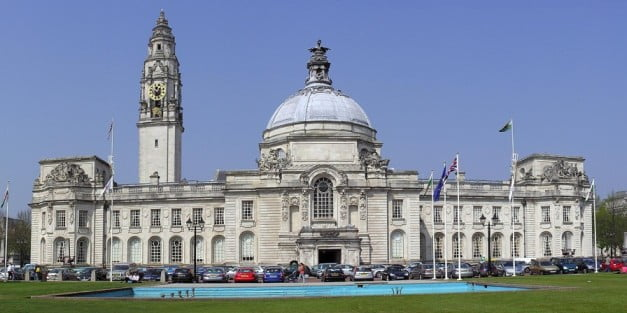 How to get the most of Cardiff in one entertaining day - City Hall by Yummifruitbat and Ham