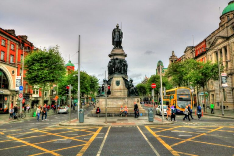 A two-day adventure in Dublin - O'Connell Monument by Daniel Mennerich