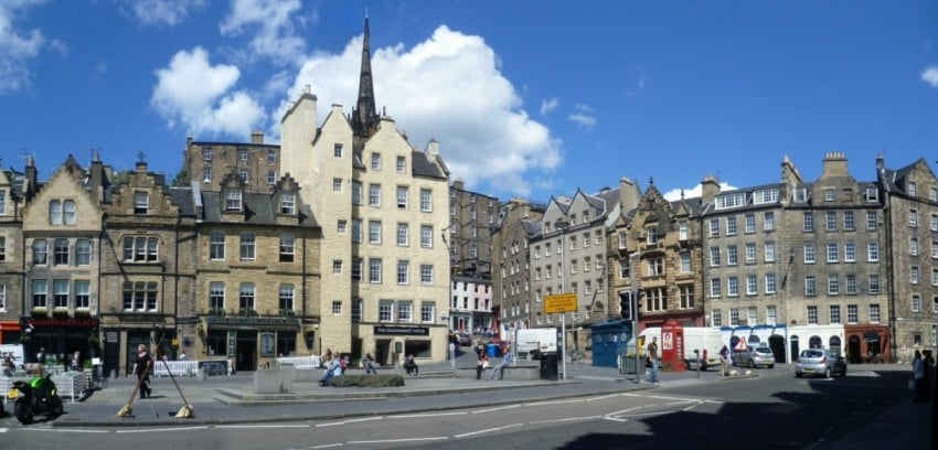 Edinburgh in 2 days - Grassmarket by Kim Traynor