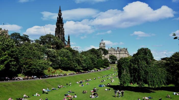Edinburgh in 2 days - Princes Street Gardens by Mike McBey