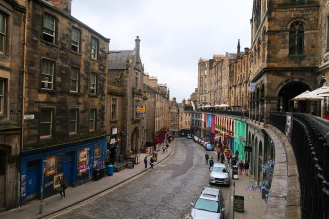 Edinburgh in 2 days - Victoria Street