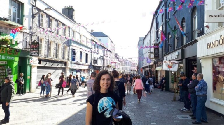 An unforgettable 5-day itinerary through Ireland and Northern Ireland - Galway - Shop Street