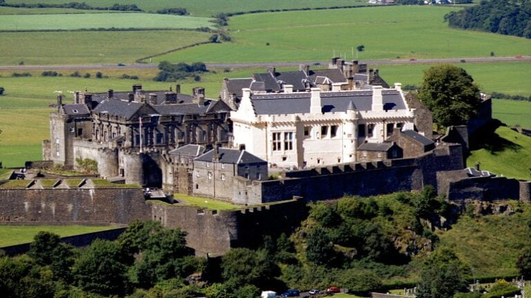 Scotland and Scottish Highlands: a 4-day road trip itinerary - Stirling Castle by John McPake
