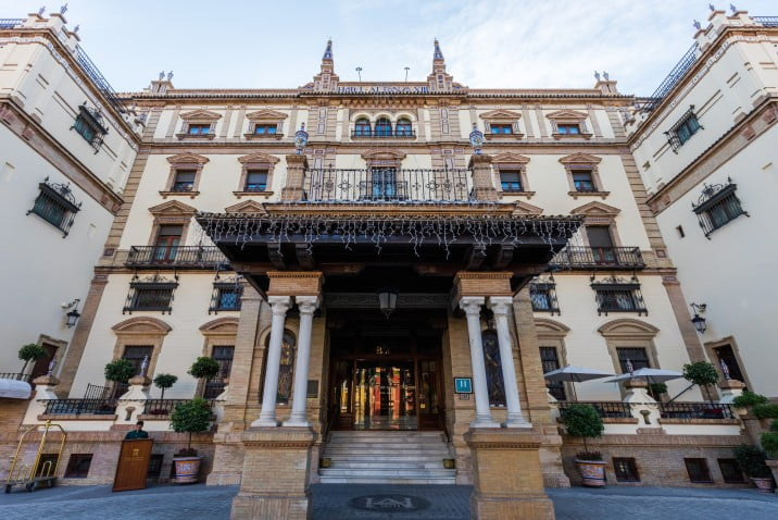 50 things to visit in Seville, Spain - Alfonso XIII Hotel by Diego Delso