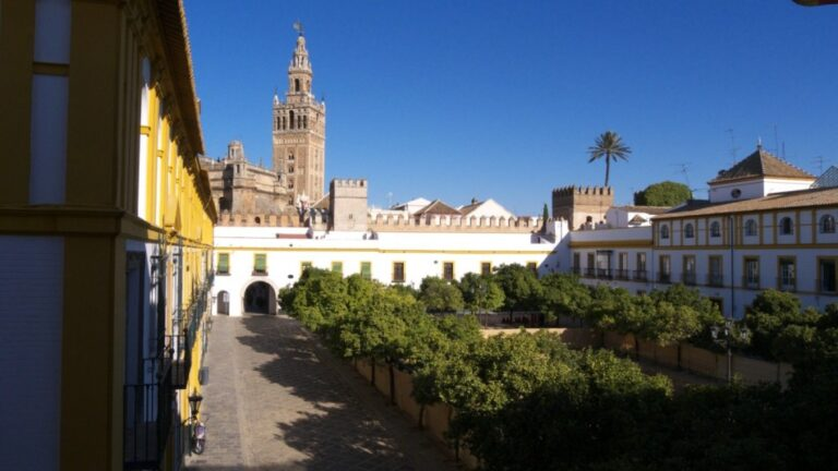 Seville- Courtyard of the Flags by José Luis Filpo Cabana