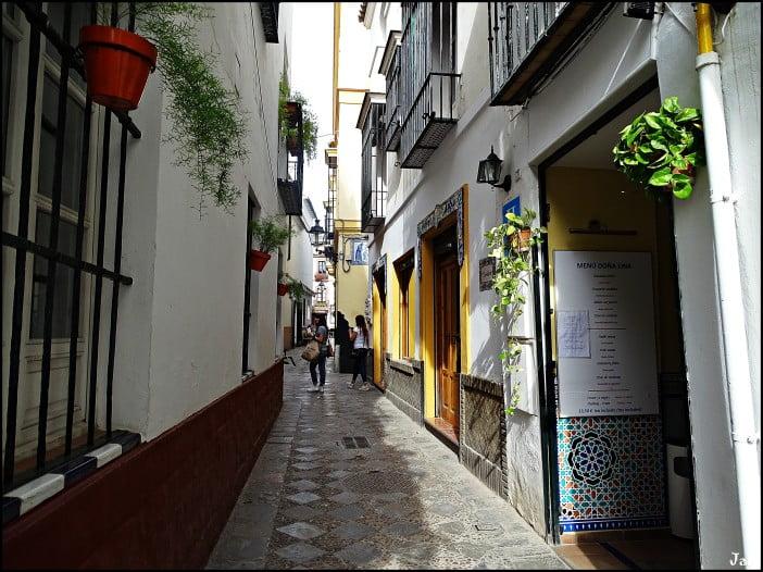 Seville - Neighbourhood of the Holy Cross by Jose A.