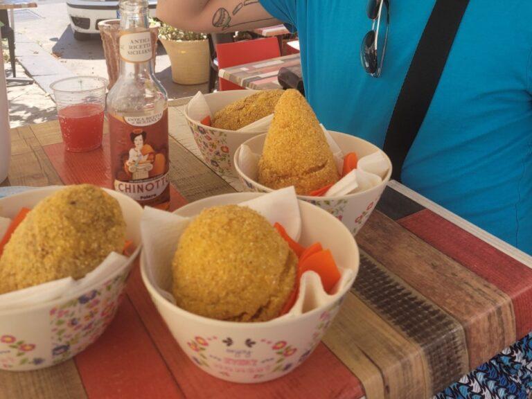 "An unforgettable 2-week road trip through Sicily - Syracuse - ""Arancini"""