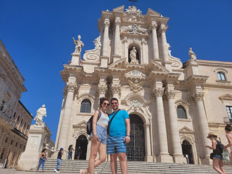 An unforgettable 2-week road trip through Sicily - Syracuse - Cathedral