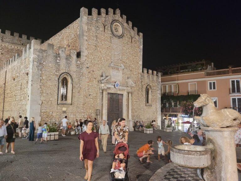 Taormina - Piazza Duomo