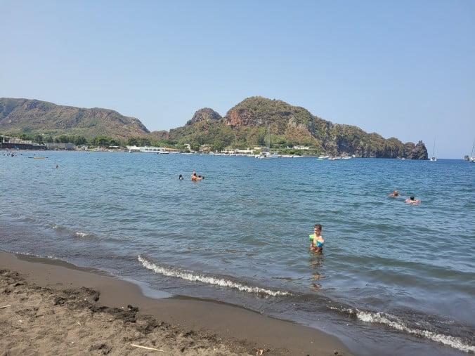 An unforgettable 2-week road trip through Sicily (part 2) - Vulcano - Black Sands Beach