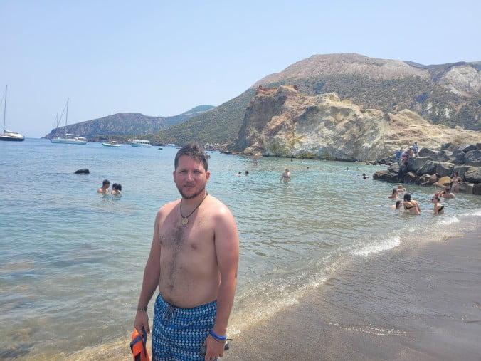 An unforgettable 2-week road trip through Sicily (part 2) - Vulcano - Hot Waters Beach