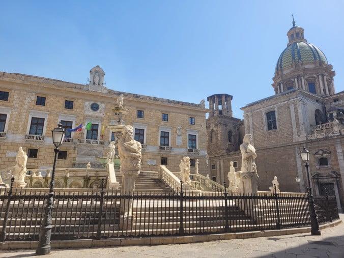 An unforgettable 2-week road trip through Sicily (part 2) - Palermo - Piazza Pretoria