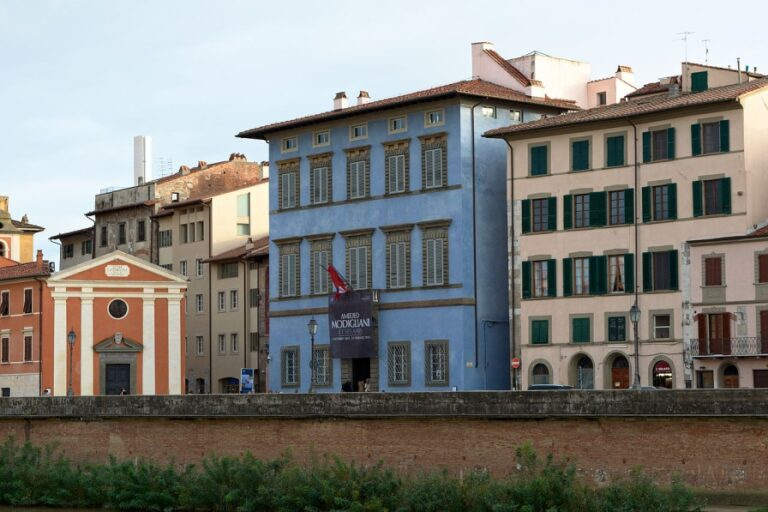 A 2-day walking itinerary of Pisa, Italy - Palazzo Blu by Japs 88