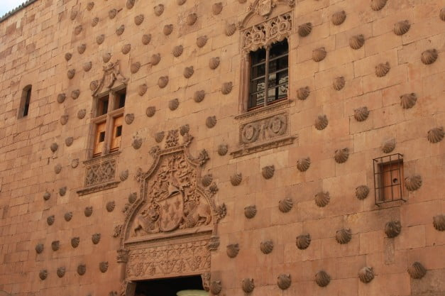 A delightful Spanish Road Trip through the Castiles - Salamanca - House of Shells by Fernando
