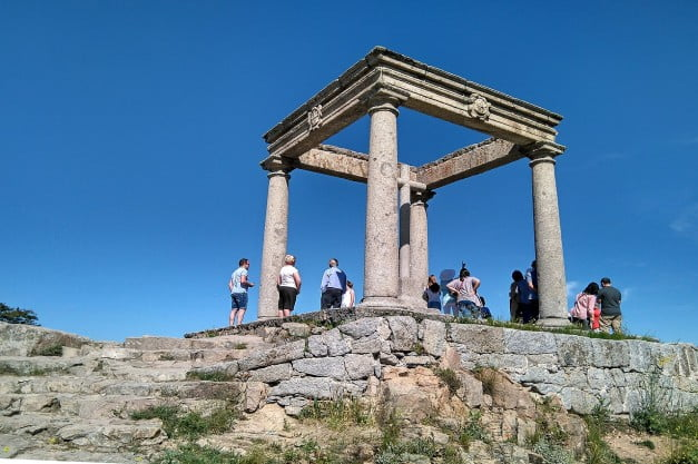 A delightful Spanish Road Trip through the Castiles - Ávila - The viewpoint of the Four Posts by Américo Toledano