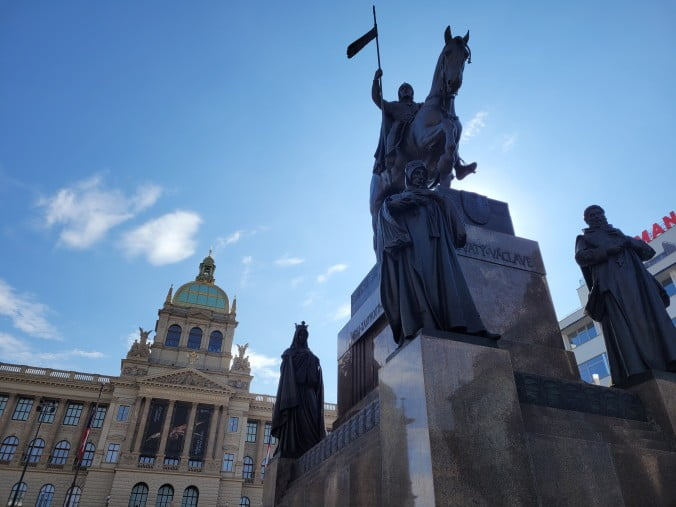 Prague in 3 marvellous days - Wenceslas Square