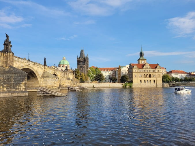 Prague in 3 marvellous days - Charles Bridge view from the river